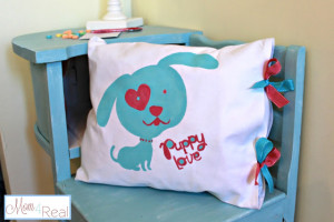 Doggy love Valentine's Day Pillow Idea