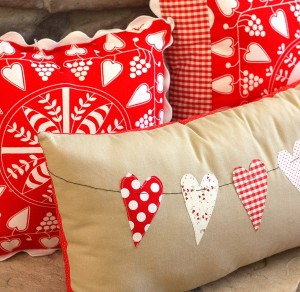 Hearts on a line Valentine's Day Pillow Idea