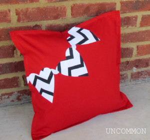 The no sew pillow Valentine's Day Pillow Idea